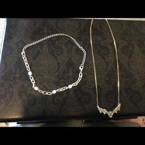 Set of 2 choker necklaces
